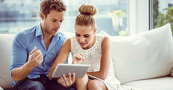 Picking a Real Estate Agent through Facebook   Keeping Current Matters